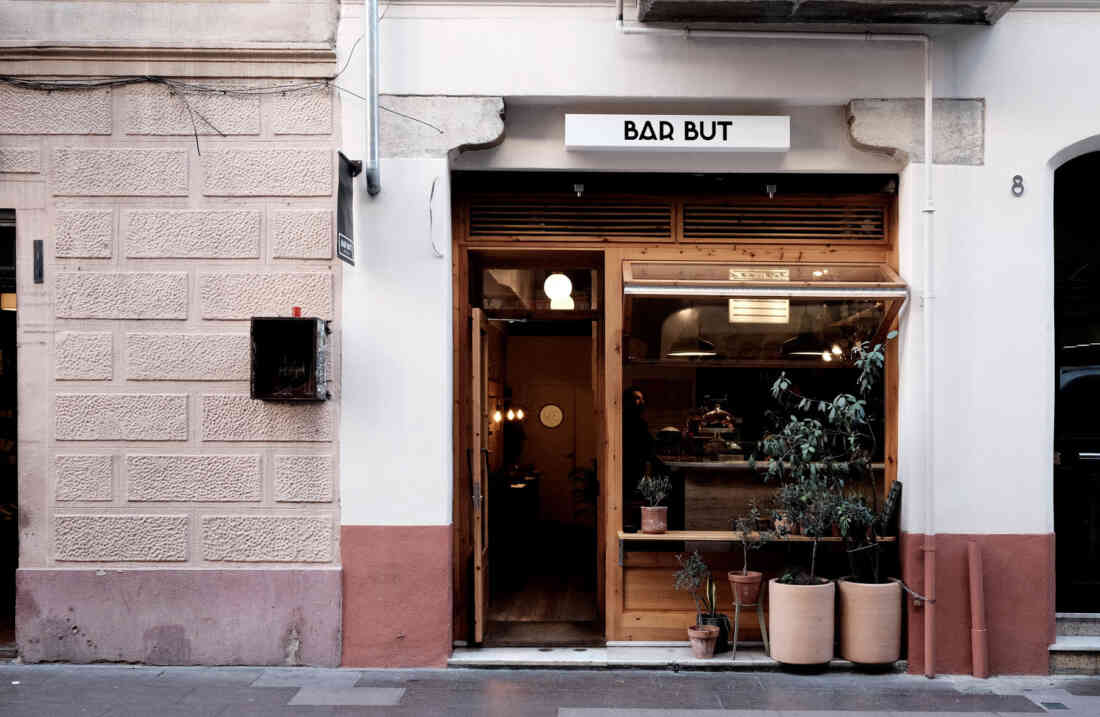 Barcelona Bar But