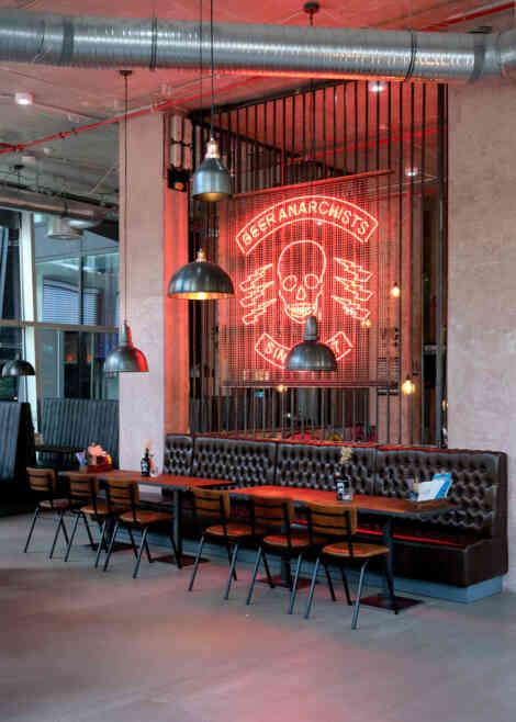 BrewDog St. Pauli, Leuchtschild.